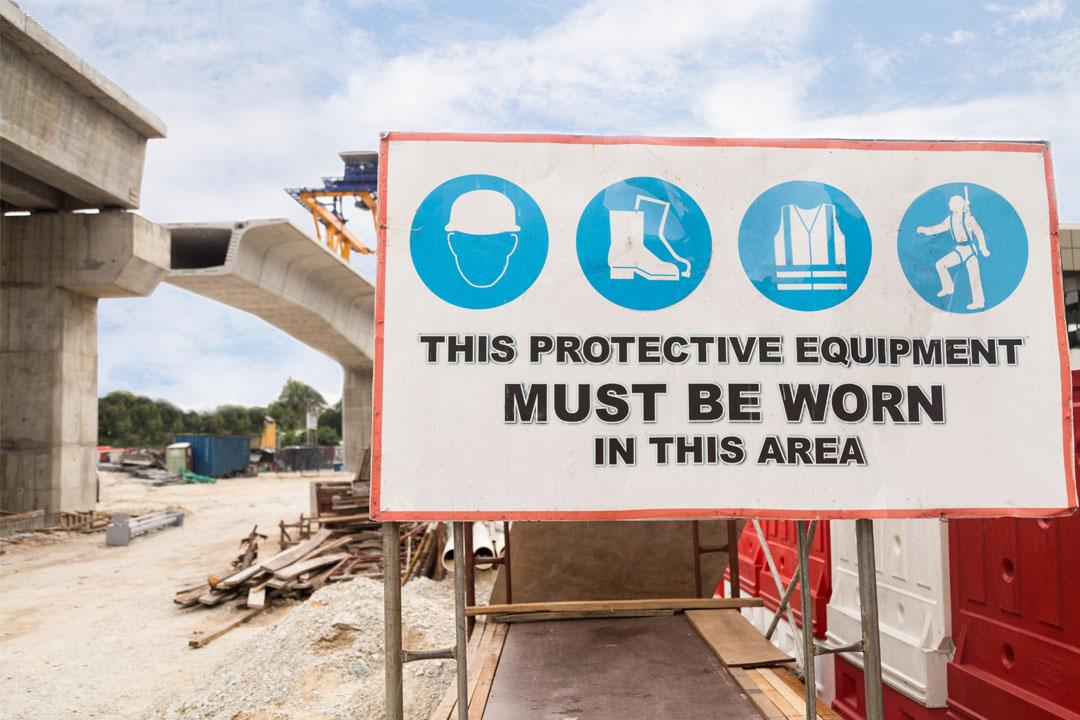 6 Elemen Penting Dalam Menentukan Rambu K3 Yang Tepat Di Area Kerja Safety Sign Indonesia Rambu K3 Lalu Lintas Exit Emegency Label B3